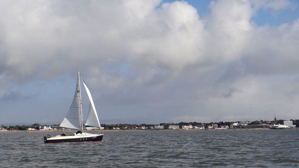 2020 08 17 Sailing up the coast 07