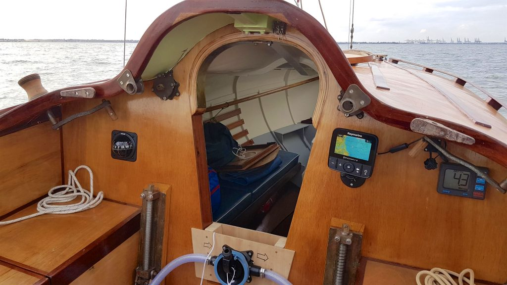 A view of the cockpit, keel raising mech and into the cabin.