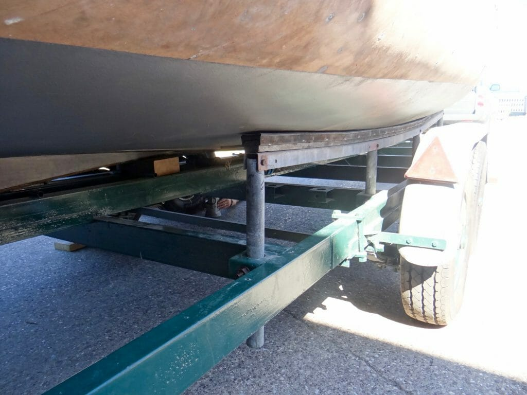 Unusual trailer supports for A1 - they work very well