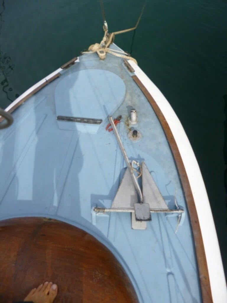 A102 clean foredeck layout