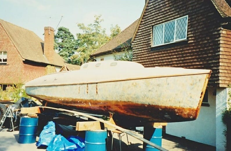 A86 1990 On the drums....Showing epoxy on underside, and respray of hull. 3