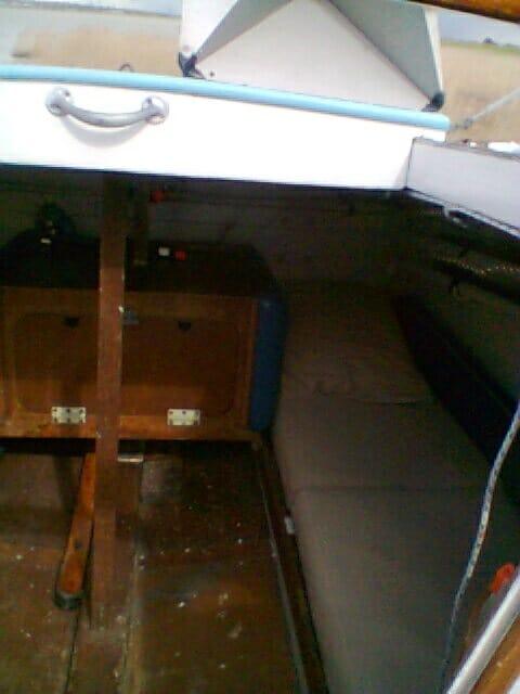 A95 2016 035 Rear cabin port bunk