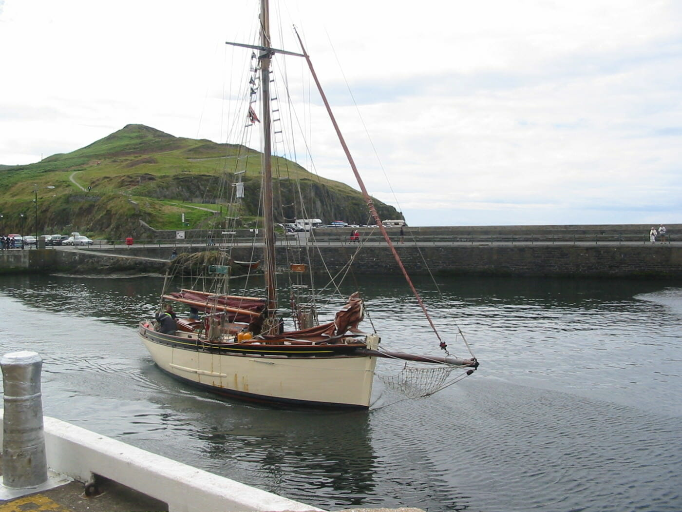 trad boat