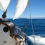 Sailing pas Viareggio and carrara