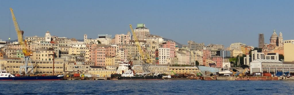 The Genoa - a mass of docks, old and new buildings. There is a very large Marina to the West, amongst the industrial docklands. We headed for the more central Porto Antico