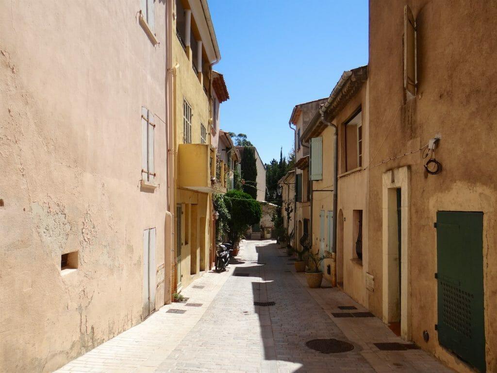 St Tropexz backstreet