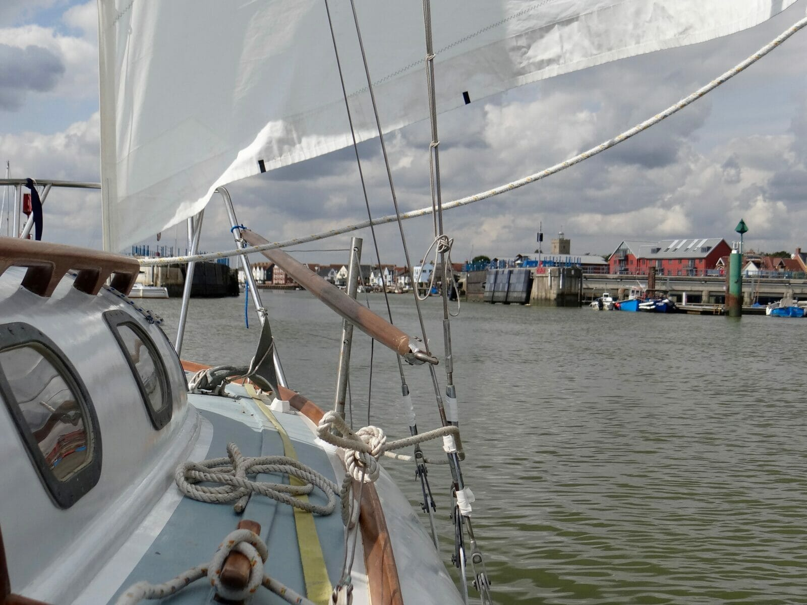 Approaching the barrier at Wivenhoe