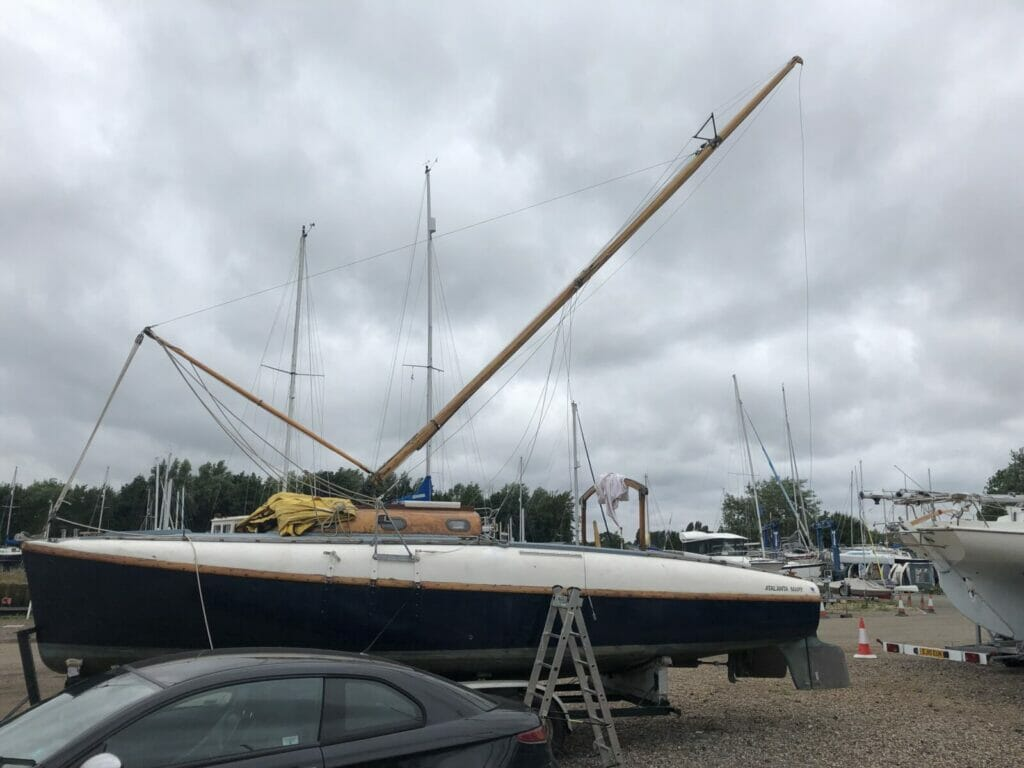 Raising the mast (singlehanded - it is simple with the raised chainplates)
