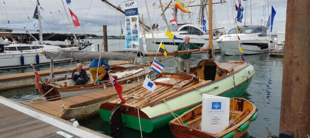 The AOA were positioned alongside the OGA (Association for Gaff Rig Sailing). The OGA boat was the marvellous Golant Gaffer, 'Satellite'.